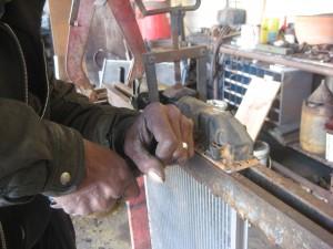 Replacing a cracked tank on an aluminum radiator