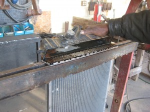 Replacing the cracked tank on an aluminum radiator